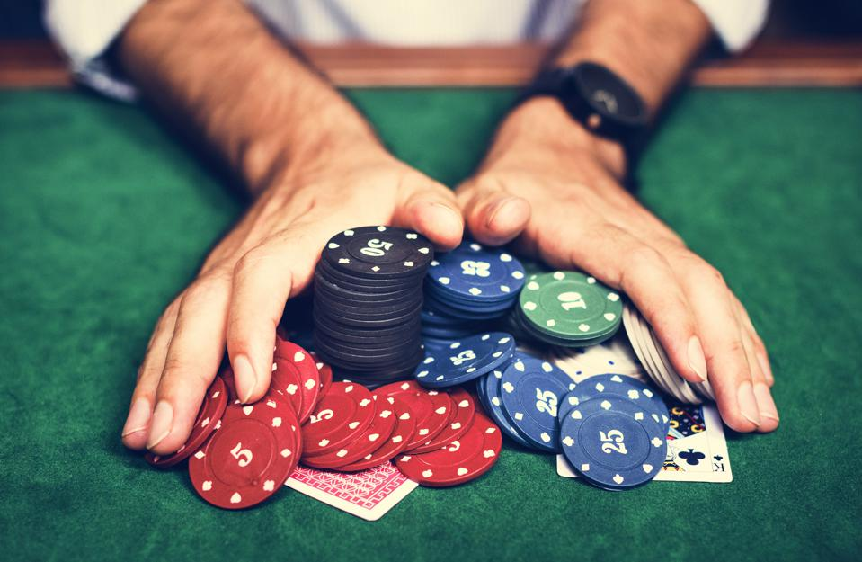 Why Poker Professionals Always Win